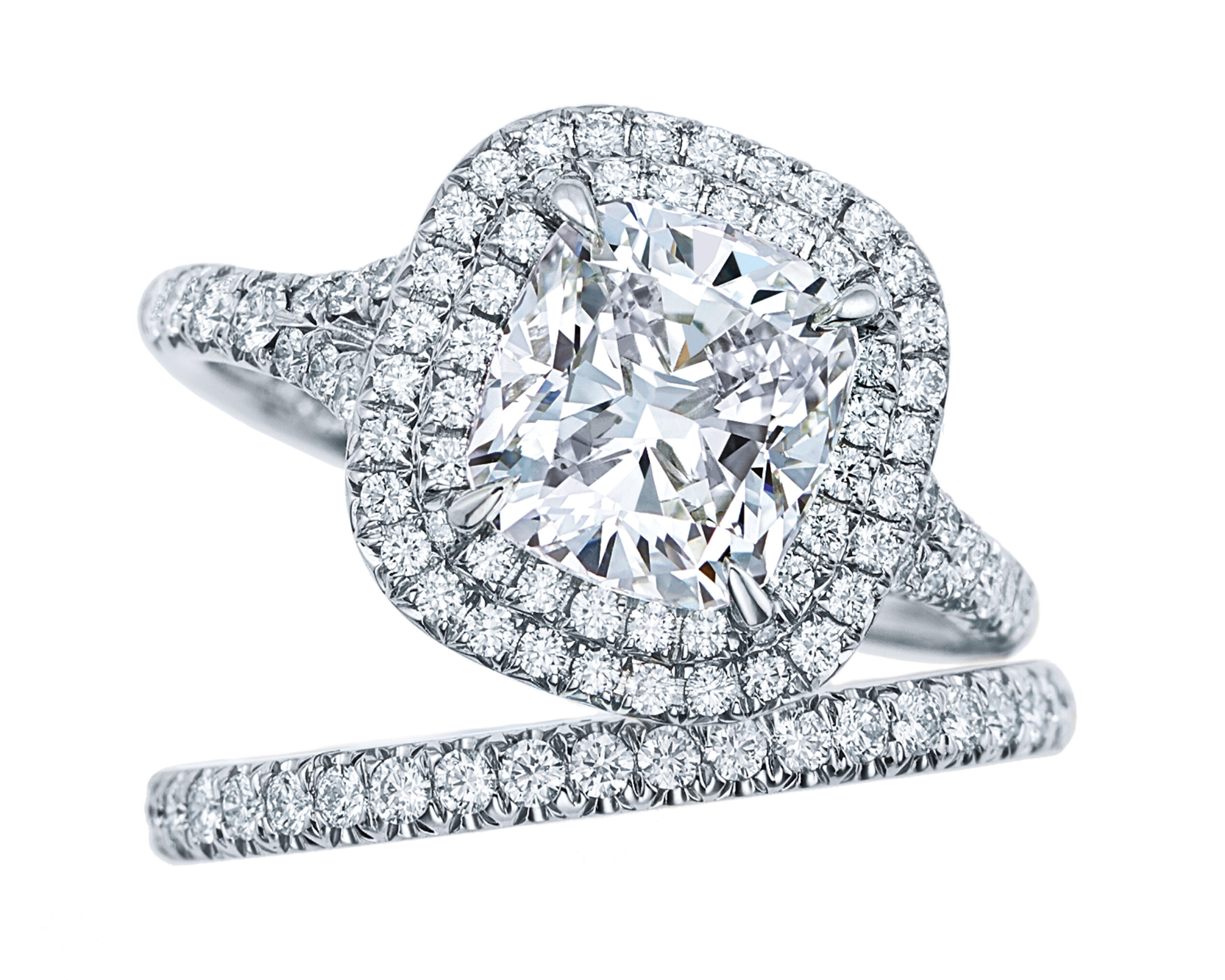 Tiffany Soleste® engagement ring and matching band in platinum